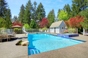 Saltwater vs. Chlorine Swimming Pool Sanitation Pros and Cons